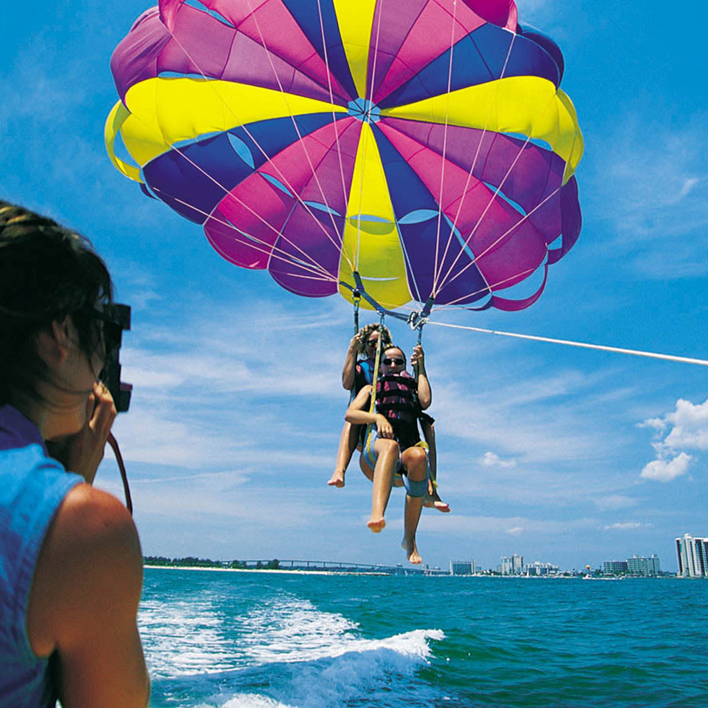 tra-gallery-parasail