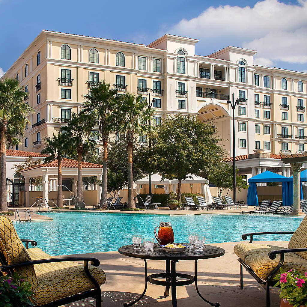 eilan-hotel-spa-outdoor-pool-extd-sky-welcome