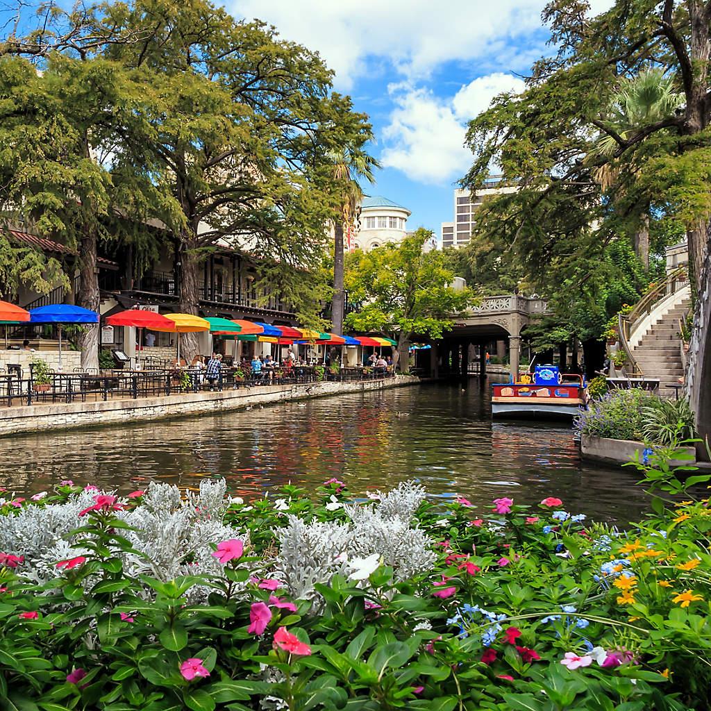 riverwalk-san-antonio-texas-overview