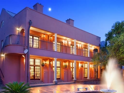The Lodge Alley Inn™